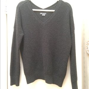 Vince gray thermal waffle v neck sweater S